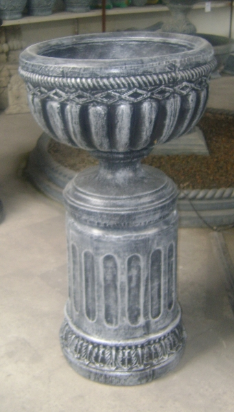 Roman pot with stand