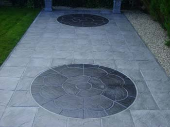 Rose charcoal centrepiece riven slate slabs